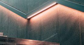 Przemyślane oświetlenie schodów – pierwszy stopień do fantastycznego i jasnego domu