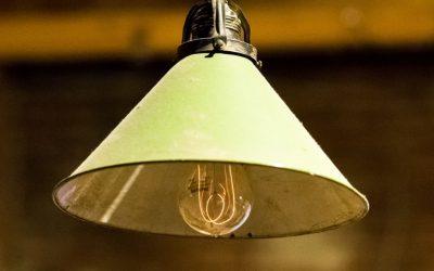 Konserwacja i czyszczenie żarówek i lampek – jak to robić poprawnie?