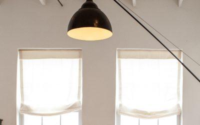 Lampy w stylu loft – jak przełamać surowe wnętrza właściwym oświetleniem?