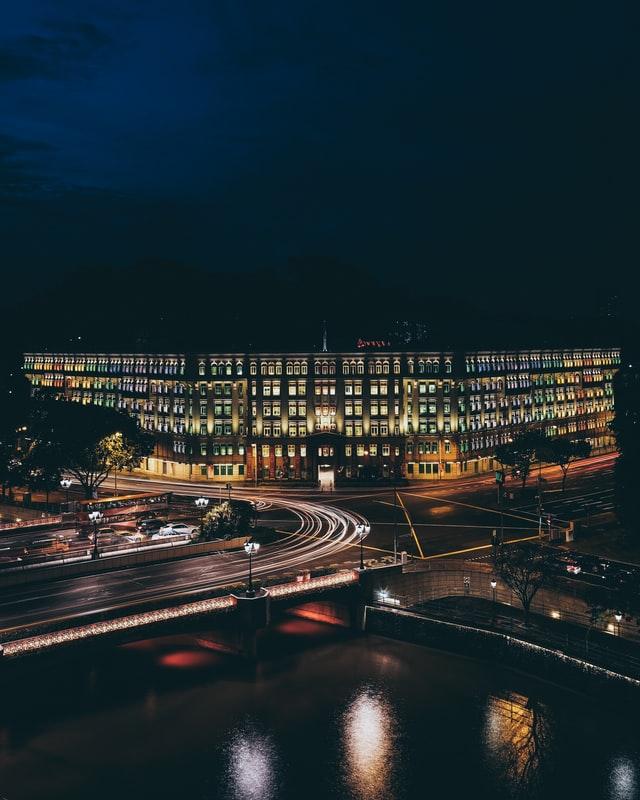 Oszczędne lampy LED w mieście