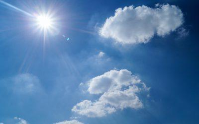 Lampy solarne są eko, ale czy dobrze świecą? Kilka słów o wpływie pogody na oświetlenie