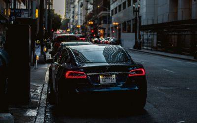 Jesień to czas na sprawdzanie oświetlenia w samochodzie, zobacz czy spełniasz wszystkie normy