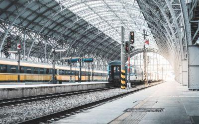 Nowe oświetlenie podnosi komfort korzystania z dworców kolejowych