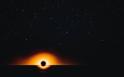 Światło za czarną dziurą? Zagadkowe odkrycie naukowców
